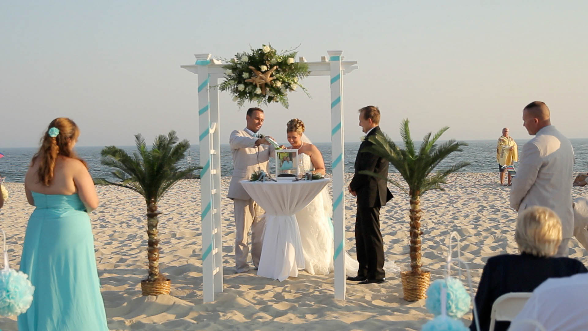 Sand Ceremony Wedding.Blending Sands Ceremony 2015 Wedding Trends Videography